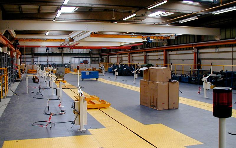 Industriefußböden mit Wegmarkierung | Industriefussboden vom Hersteller Ecotile