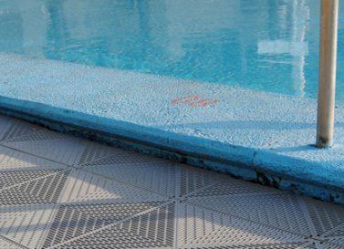 Schwimmbadboden